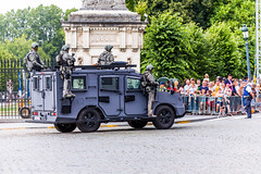 Police - 21 juillet 2016 (V1) (saigneurdeguerre) Tags: canon 5d mark iii 3 europe europa belgique belgi belgium belgien belgica bruxelles brussel brussels brssel bruxelas ponte antonioponte aponte ponteantonio saigneurdeguerre police politie policia polis cops cop