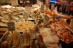Pike Place Fish Market (Steve W Lee) Tags: fish pikeplacefishmarket pikeplace pikeplacemarket pikeplacefishcompany pikeplacefishco lobster seafood salmon frozenseafood freshfish freshseafood seattlefood