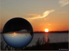 Sonnenaufgang auf der Insel Poel (der bischheimer) Tags: sonnenaufgang kugel crystal rund ball derbischheimer poel