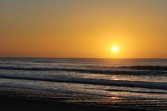 Sunrise..... (flying-leap) Tags: canon60d 60d 18200mm northcanterbury southisland nz sunrise dawn winter the4seasons 4winter cloudsstormssunsetssunrises waikuku beach coastline ocean