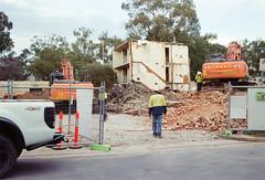 Frame 16-3.jpg (njcull) Tags: 35mm 400 504410 c41 canberra canoneos33 ef28105mmf3545usm film focal focal400 owenflats lyneham australiancapitalterritory australia demolition