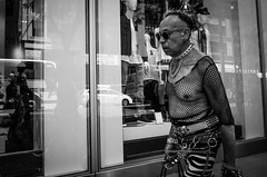 (Damien Sass) Tags: america manhattan newyorkcity nyc blackandwhite bw bigapple beenthere streetphotography monochrome ricohgr raw fifthavenue fashion urban people unitedstates usa contrast camera summer 2016 28mm