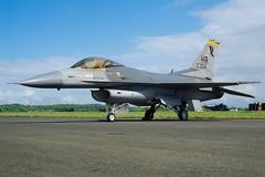 ALAN_POTTS_19870530_0016 (Spuggs) Tags: ayr ayrshire uk gbr glasgowprestwickairport prestwickairport hmsgannet pik egpk prestwickairshow airshow 841304hr generaldynamicsf16 f16c fightingfalcon 496tfs 50thtfw thebigdogs usaf hahn jet aircraft alanpotts military hasselbladx5