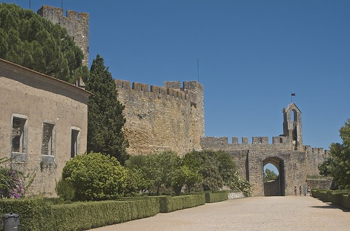 castle portugal gate christ fortress convent tomar... (Photo: sandromars on Flickr)