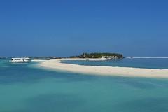 maledives (Starsi warsi) Tags: beach blue water sky sun vacation sand boat beautiful sunny outdoor trip sandybeach summer seaside calm sea white island maledives mafusi nikon