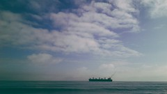 ( Barco ladrón de árboles ) (Felipe Smides) Tags: barco ship ladron arboles sea valdivia sur chile factoria smides felipesmides fotografìa