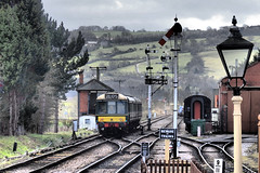 Class 117 DMU Departing Toddington. (ManOfYorkshire) Tags: gloucester railway preserved nostalgia history multiple unit class117 dmu diesel warwickshire green britishrailways semaphore signal box track departing toddington gaslamp signs bewareoftrains 2l05