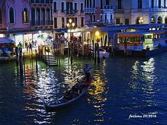 Venecia-09 reflejos de Venecia (ferlomu) Tags: canal ferlomu gondola italia noche reflejos venecia