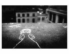 CECI N'EST PAS UN POINT DE VUE # 2 (bruXella & bruXellius) Tags: magritte renmagritte magritien cecinestpasunpointdevue pointdevue brssel bruxelles brussels brussel belgien belgique belgium belgi leicax1 blackwhite grain grainy monochrome