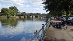 A relaxing afternoon (Barry C. Austin) Tags: richmondlock riverthames