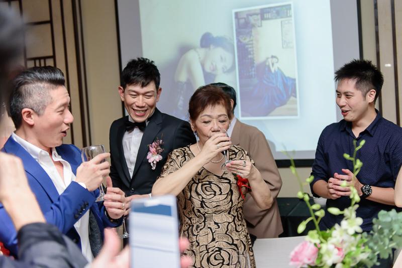 國賓婚攝,台北國賓,國賓飯店婚宴,新秘Miko ,婚攝小勇,台北婚攝, 愛瑞思新娘秘書造型團隊,西敏英國手工婚紗,小寶工作室-073