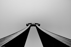 Hamburg Skulptur b&w (rainerneumann831) Tags: hamburg skulptur blackwhite linien abstrakt