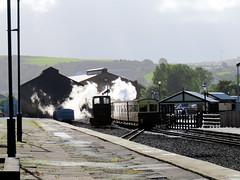 68 | Aberystwyth station  VoR train departs (Mark & Naomi Iliff) Tags: aberystwyth valeofrheidolrailway rheilfforddcwmrheidol railway steam narrowgauge train