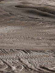 "dune patterns • <a style=""font-size:0.8em;"" href=""http://www.flickr.com/photos/44919156@N00/30338543146/"" target=""_blank"">View on Flickr</a>"