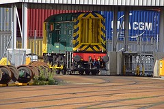 Freightliner Shunting loco 08530 at Felixstowe Docks on weekend layover. 09 10 2016 (pnb511) Tags: felixstowedockandrailwaycompany freightliner intermodal containers shipping suffolk uk trains freight track train loco locomotive industrial class08