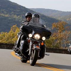Harley-Davidson 1610164697w (gparet) Tags: bearmountain bridge road scenic overlook motorcycle motorcycles goattrail goatpath windingroad curves twisties couple couples