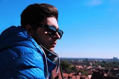 (helda_ruiz) Tags: blue winter boy man cold azul fun outside glasses cool young inverno frio jovem culosdesol 2013