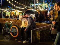 Southbank By Night (Edmond Terakopian) Tags: uk food london youth hotdog couple young streetphotography southbank eat together dailylife