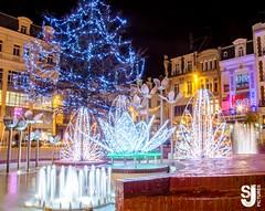 Place d'Armes Douai (Joachim Saouli Photographies (JS Pictures)) Tags: france noel fontaine ville dcoration granderoue fetes douai nouvelleanne photofrance joyeusesfetes photourbain dcorationnoel photoville villedouai photodouai granderouedouai