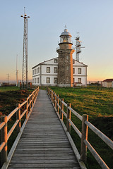 Faro de Cabo Peas (TerePedro) Tags: espaa lighthouse faro twilight asturias farol phare leuchtturm