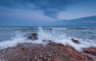 olas en playa de manyetes