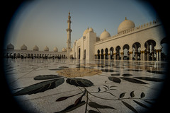 Sheik Zayed Grand Mosque - Abu Dhabi - 6 (coopertje) Tags: architecture gulf mosque emirates abudhabi unitedarabemirates grandmosque moskee sheikzayed sheikzayedgrandmosque