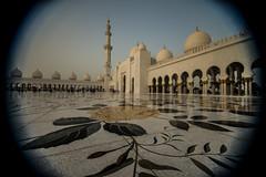 Sheik Zayed Grand Mosque - Abu Dhabi - 6 (coopertje) Tags: architecture gulf mosque emirates abudhabi unitedarabemirates grandmosque moskee sheikzayed sheikzayedgrandmosque