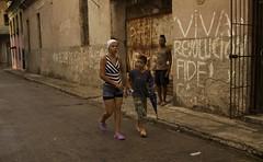 Viva La Revolucion - Havana Cuba (IV2K) Tags: street graffiti propaganda sony havana cuba caribbean cuban habana kuba lahabana rx1
