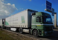 """MERCEDES Actros 1841 Semi-Remorque Tautliner """"Bernardi"""" (xavnco2) Tags: france truck mercedes lorry camion mercedesbenz trucks picardie lkw somme autocarro actros tautliner curtainside glisy"""