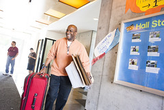 ucb_move_in_chancellor-060 (berkeleystudentaffairs) Tags: up smiling horizontal closeup proud walking hall moving dad close shot father indoor excited move luggage solo boxes residential guardian helping carrying