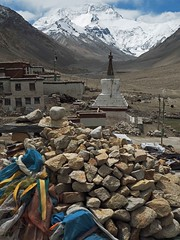 Rongphu Monastery 3 (joeng) Tags: tibet china places mountain landscape chomolungma mteverest rongphumonastery himalayas monastery temple chorten building snow prayerflag everestnorthface