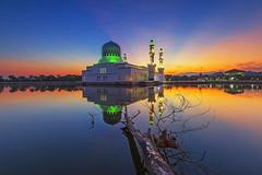 Masjid Likas Kota Kinabalu (Adly Wook) Tags: longexposure trip travel light sky motion reflection texture sunrise landscape ray awesome mosque malaysia serene tone sighray raymaster