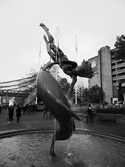 Girl with a dolphin (duncan) Tags: london girlwithadolphin sculpture davidwynne