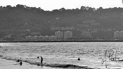 Surf (A.Peral) Tags: sunset bw espaa puerto atardecer mar agua surf playa postal montaa francia vasco hendaye baha fuenterrabia hondarribia pas aquitania bidasoa