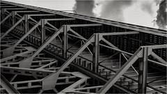 pure steel (goehler.mike) Tags: bw black white sw schwarz weiss architektur architecture