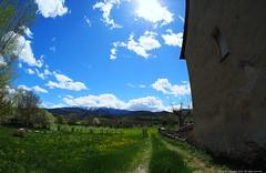 La Seu Durgell (Ivan Mauricio Agudelo Velasquez) Tags: nube cloud camino rural mountain sky casa catalua lleida europa