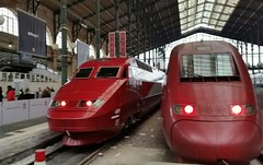 Nouvelle  robe (Octobre  2016) (Ostrevents) Tags: paris france capitale europe europa garedunord northstation gare station nord north quai perron platform train trein trainàgrandevitesse pba pbka livrée robe couleur color rouge red thifactory thalys relooking look 4500 série steel chn ostrevents capitole 4539