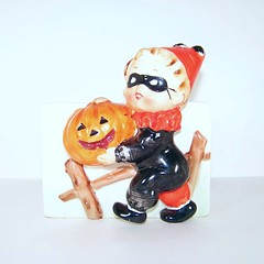 Relpo Halloween Boy in Costume Planter (filigreefairy) Tags: relpo halloween jackolantern jol costume planter boy madeinjapan vintage ceramic