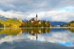 sLOVEnia -  Bled Lake (Hewraman (Catching up ) :-)) Tags: slovenia bled lake colorful autumn reflection clouds mountains