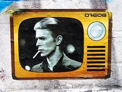 Bowie (bindubaba) Tags: bowie streetart television london