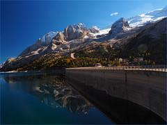 Passo Fedaia - 2.057 m -  in autumn (Ostseeleuchte) Tags: alpen alps dolomiten provinztrentinoundbelluno talortecanazeiundmalgaciapela herbst autumn oktober holidaymemories urlaubserinnerung