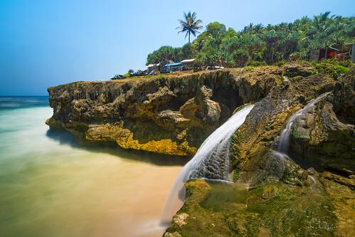 Banyu Tibo Beach Seascape