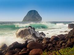Rough Sea (Crios) Tags: longexposure rocks waves martinique caribbean vagues rochers diamant