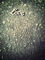 love is lost (Hugh McCracken) Tags: uploaded:by=flickrmobile flickriosapp:filter=mammoth mammothfilter