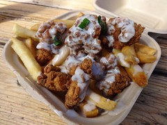 The Southern from Smothered Food Truck in San Francisco (Fuzzy Traveler) Tags: chicken gravy southern fries poutine friedchicken foodtruck smothered popcornchicken somastreatfoodpark