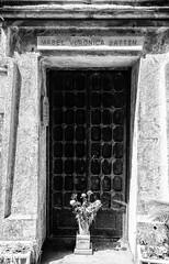 160706 6913 (steeljam) Tags: london cemetery hall nikon mabel graves veronica highgate tombstones owner d800 batten radclyffe steeljam