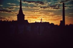 Sunset... (hobbit68) Tags: sonne sky clouds sonnenschein wasser wolken alt frankfurt sommer himmel haus espana nacht outdoor sonnenuntergang fluss sunset old gebude industrie main sony