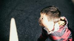 IMG_8642 (dafloct) Tags: boy nio kid kids nios aire libre curico cerro condell canon t5 50mm lr nature naturaleza arboles retrato chile lens lente objetivo cara face 1 ao renato chico smiling smile riendo