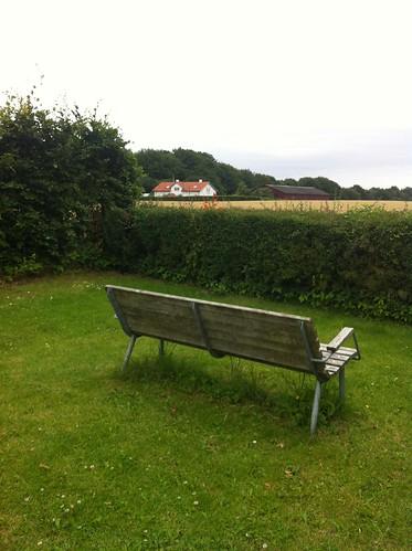 Skodsborg - bench on Højagervej