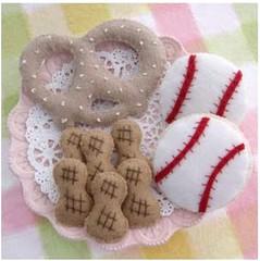 Baseball felt play set (retro_girl_design) Tags: play sewn handmade pretzel peanuts cookies baseball pretend food felt kids toys stitch